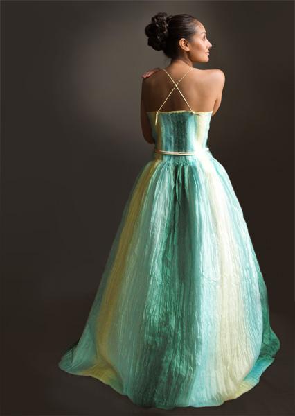 Какое платье красивое.  Сделано из шерсти. мокрое валяние.